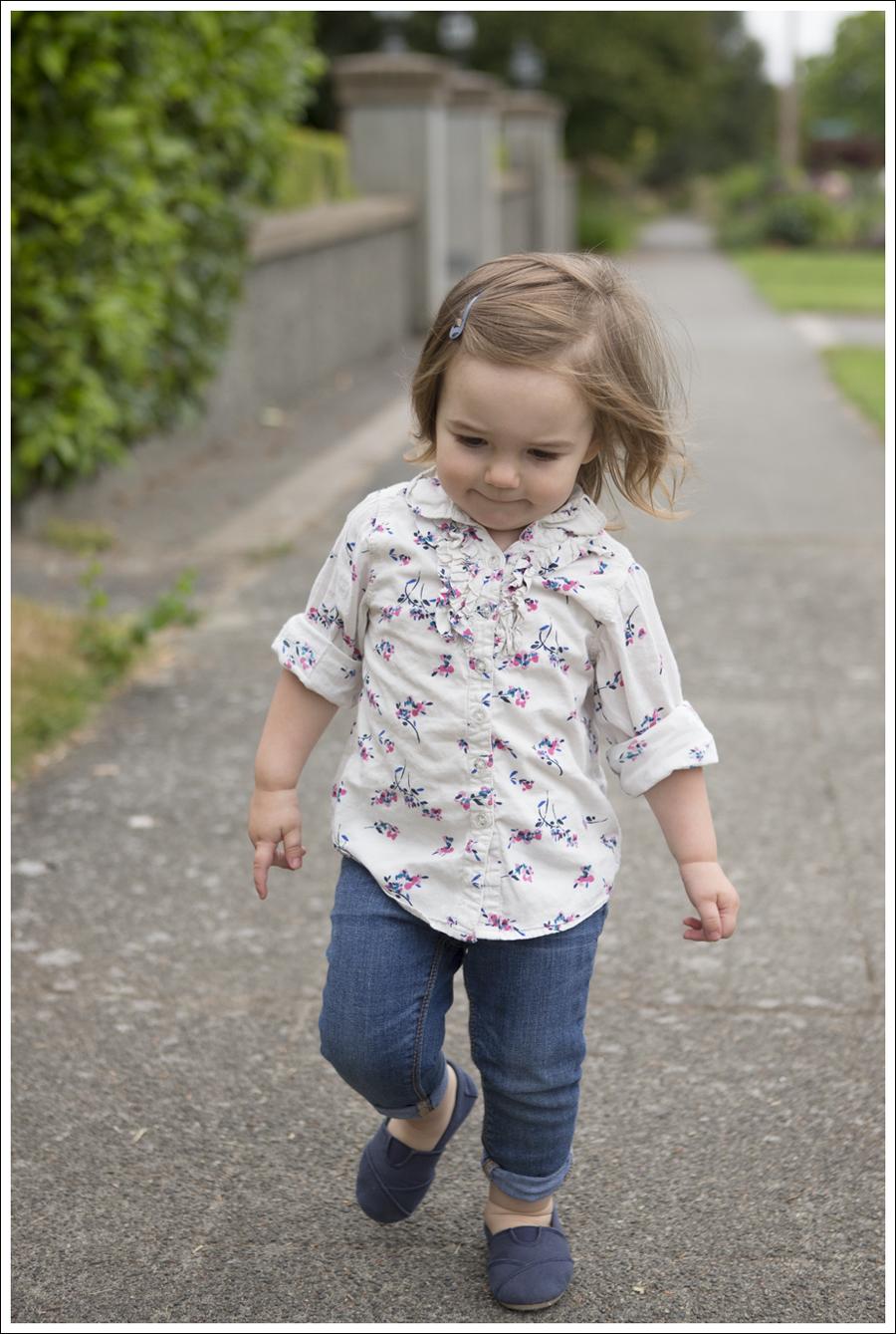 1Maya95wks Flower Top Jeans