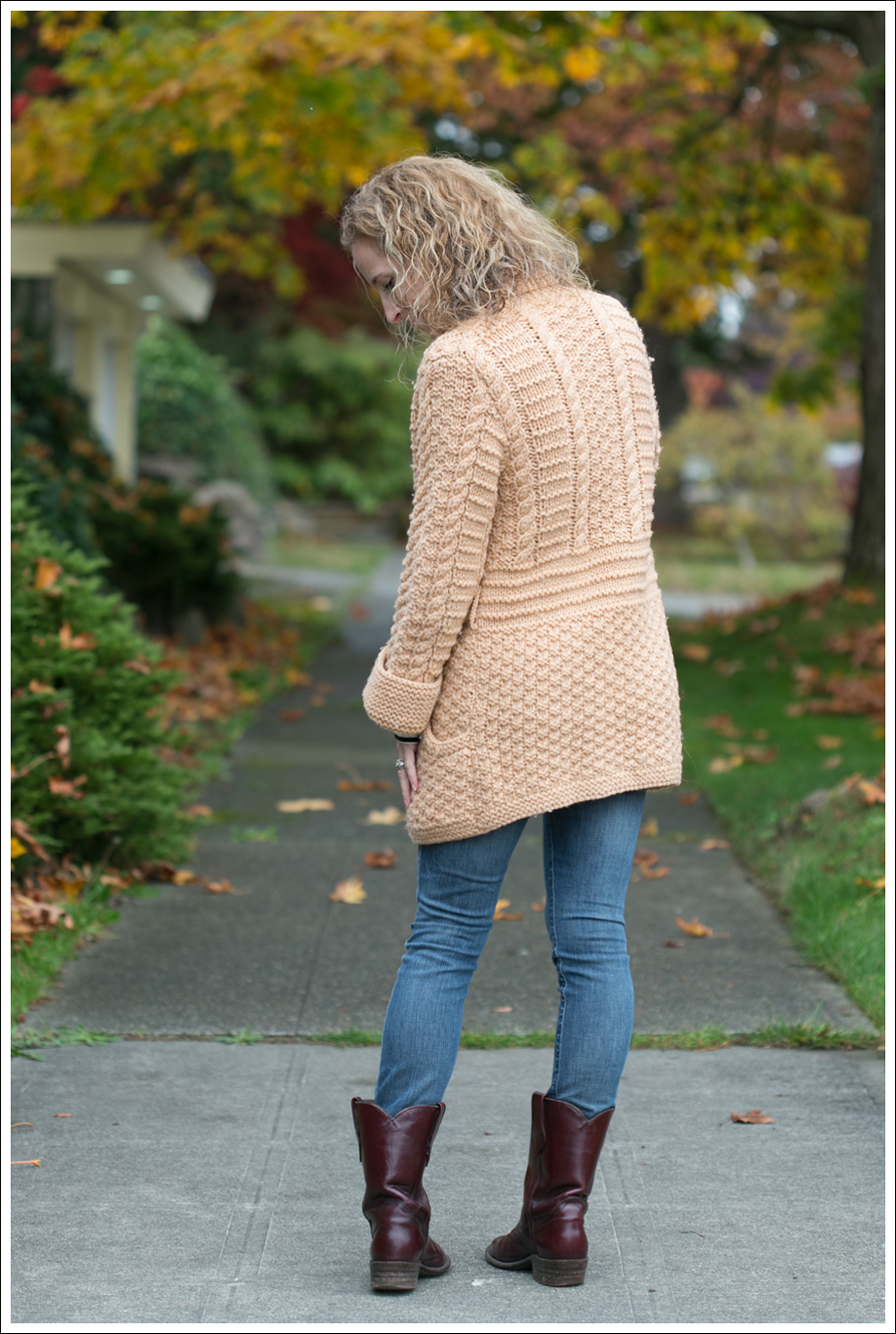 Blog Chunky Vintage Sweater StyleMint Goldsign Frye-6