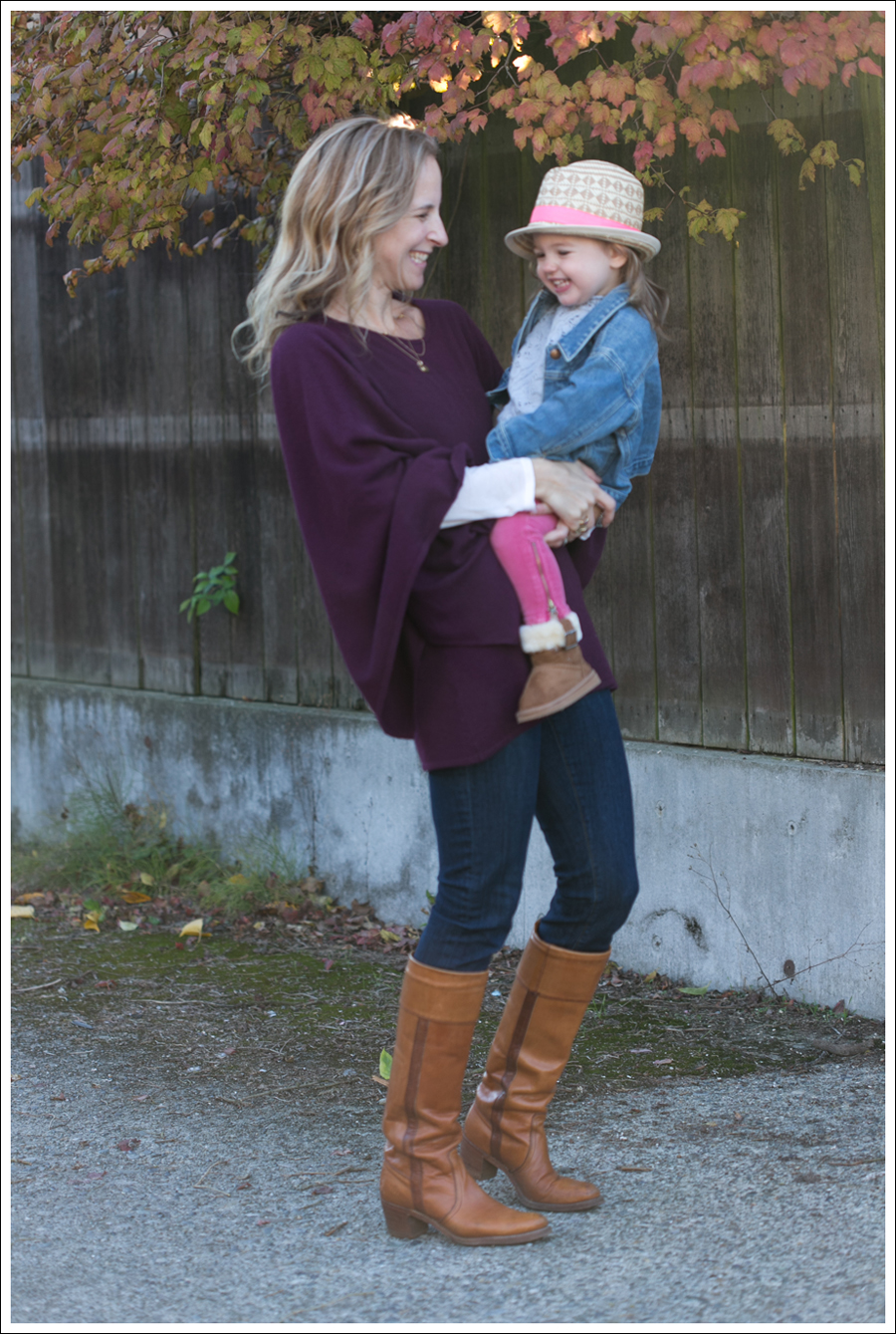 Blog Rachel Pally Cashmere Cape AG the Tights Vintage Frye Boots-6