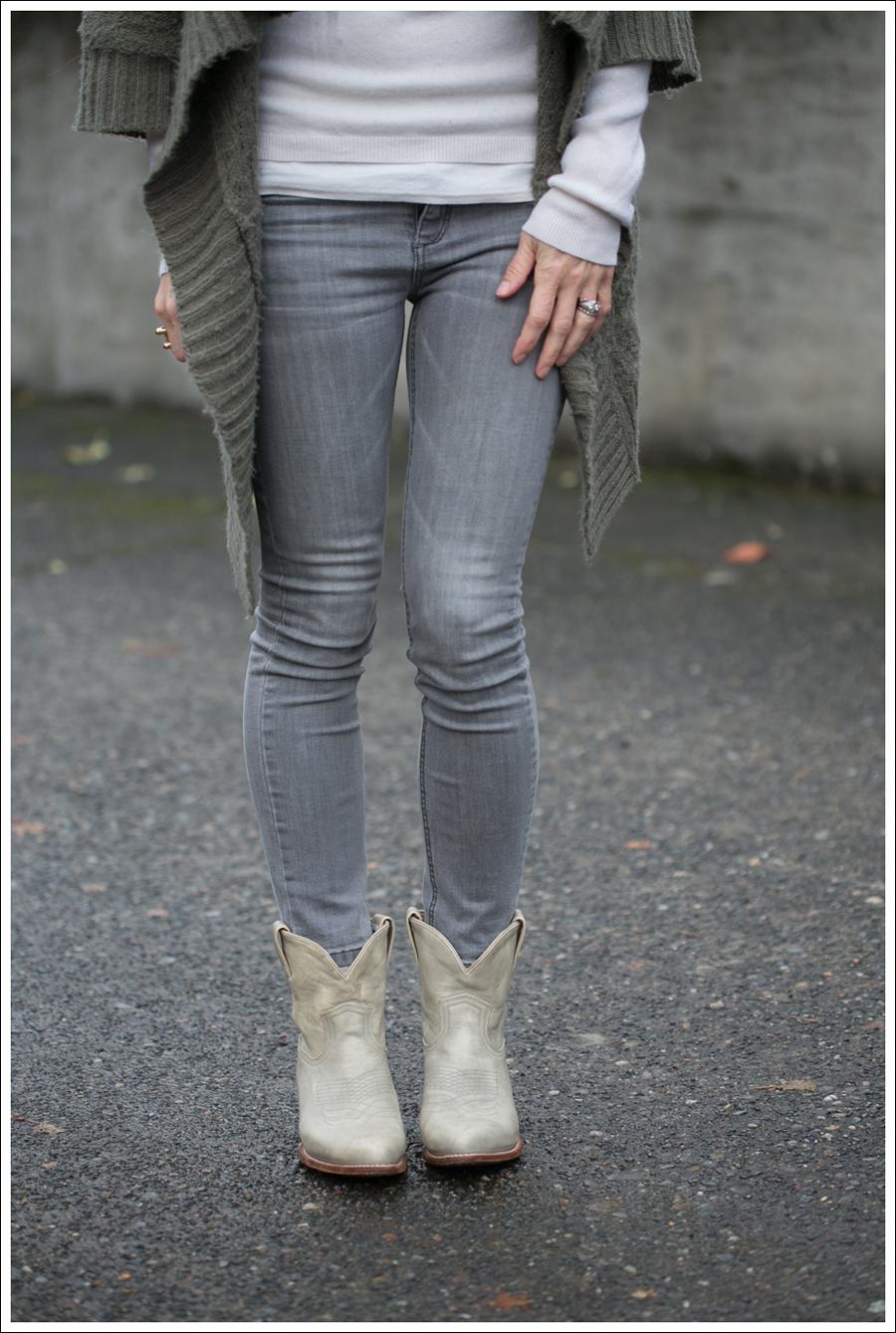 Blog Design History Cardigan Joes Jeans Frye Booties-2