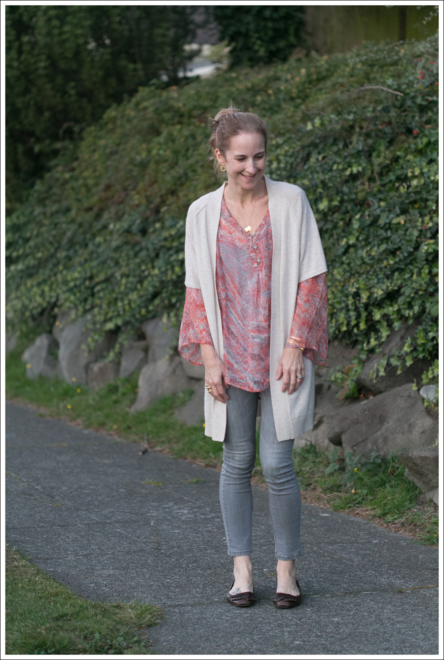blog Karoo Cashmere Cardigan Ella Moss Silk Top Joes Jeans-1