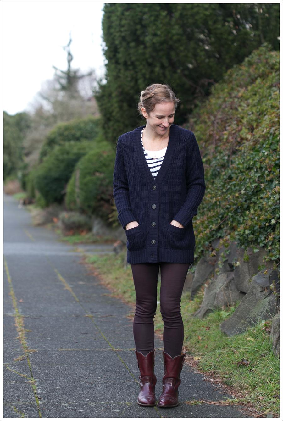 Blog Navy Zara Boyfriend Sweater Dylan George Vintage Frye-3