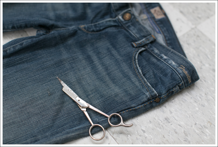 Blog DIY Destroyed Denim Jeans With Strings Attached-1