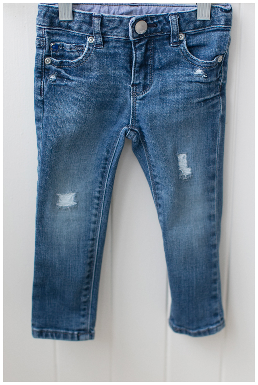 Blog DIY Destroyed Denim Jeans With Strings Attached-7