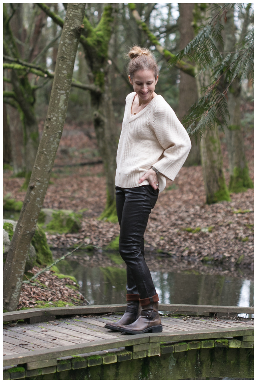 Blog Zara Sweater Goldsign Leather Pants Booties-4