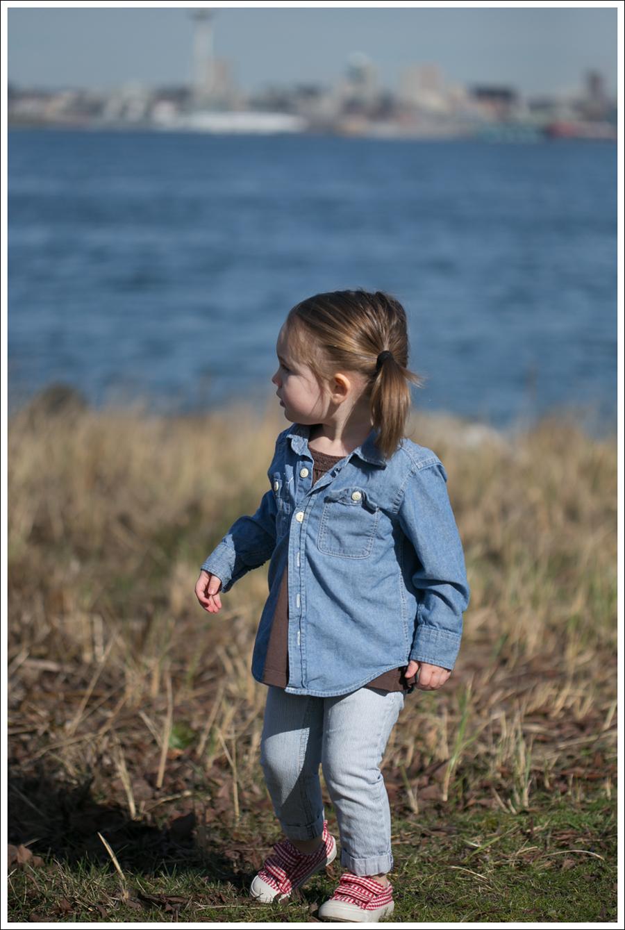 Blog Gap Shirt Black Orchid Ikat Jeans Leopard Flats-6