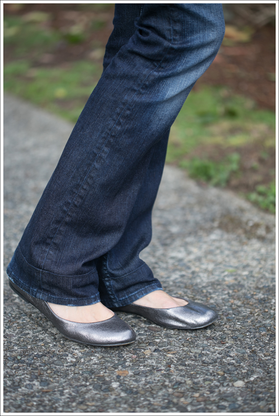 Blog Black Outfit with Pewter Flats-1