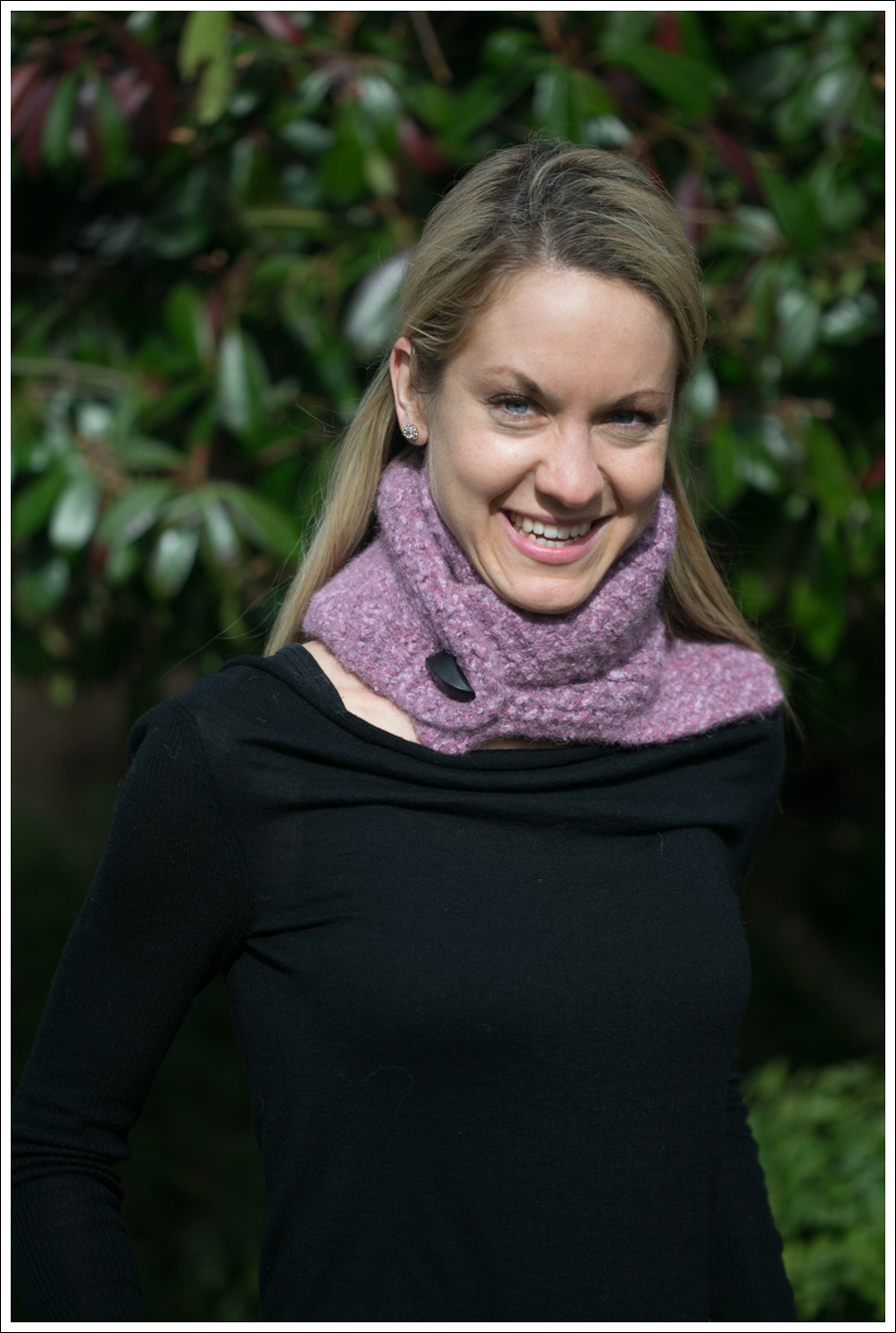 Blog Black Outfit with Pink Scarf-2