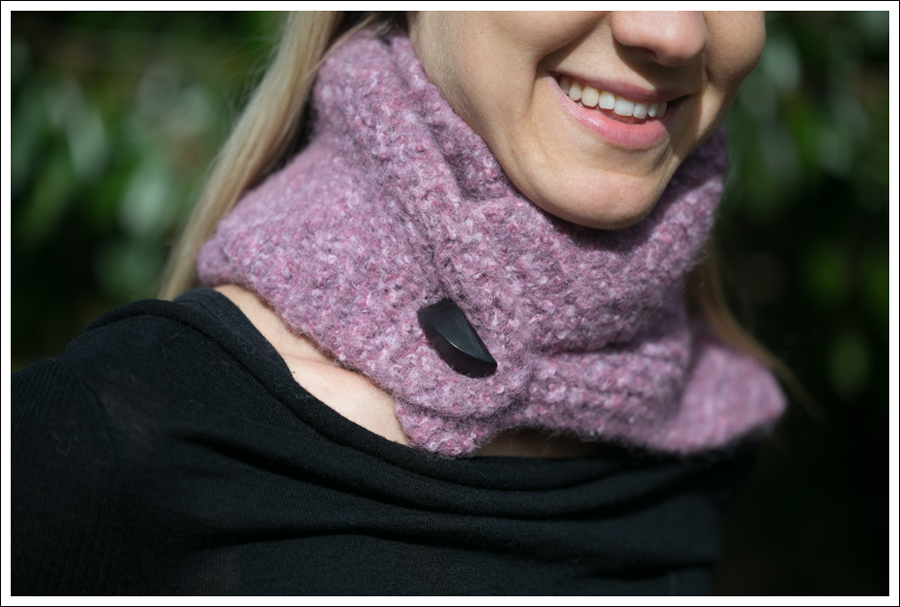 Blog Black Outfit with Pink Scarf-3