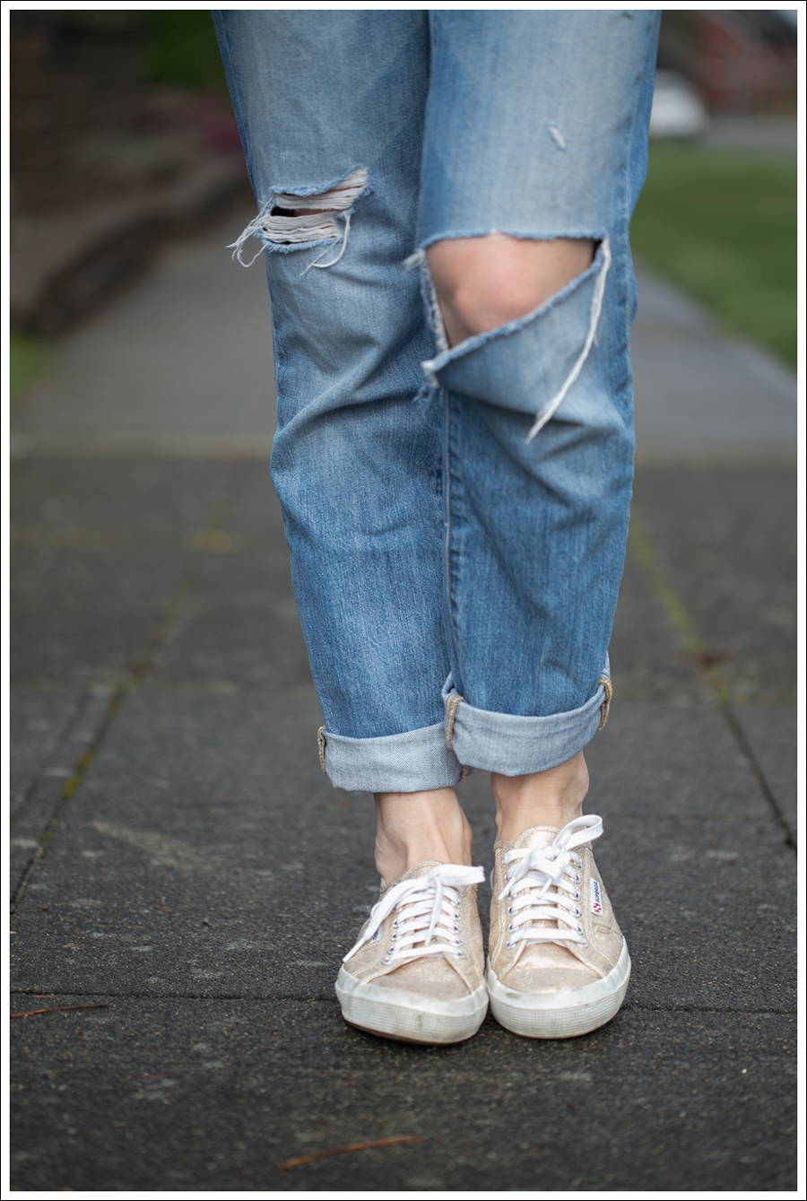 Blog HM Top J Brand Aiden Jeans Linea Pelle Belt Superga-3
