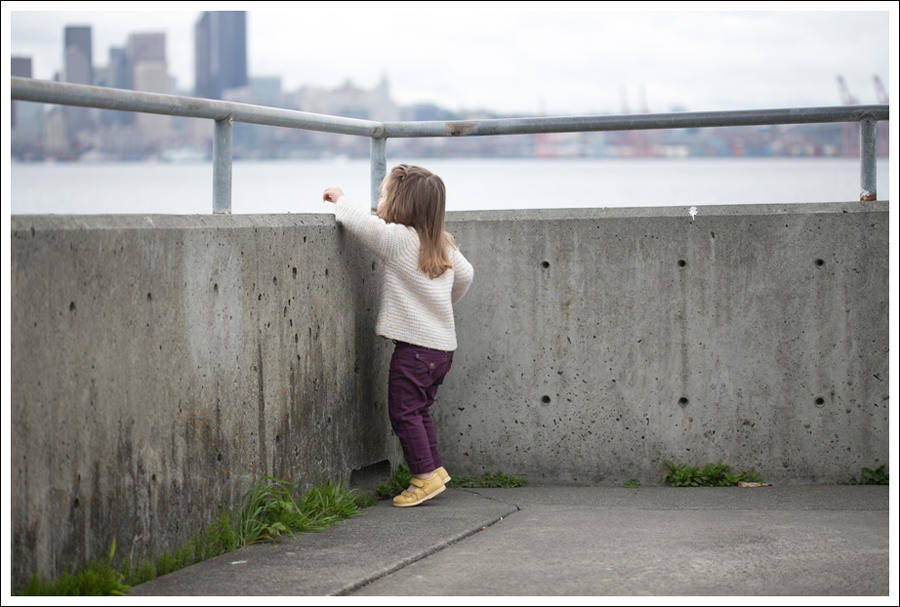Blog Zara Button Back Sweater Destroyed Current Elliott Crop Skinny Leifnotes Flats-13