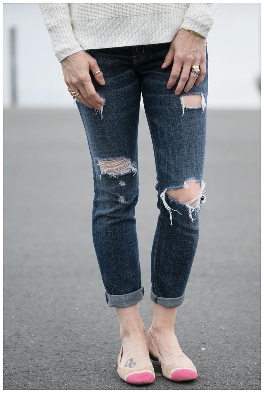 Blog Zara Button Back Sweater Destroyed Current Elliott Crop Skinny Leifnotes Flats-2