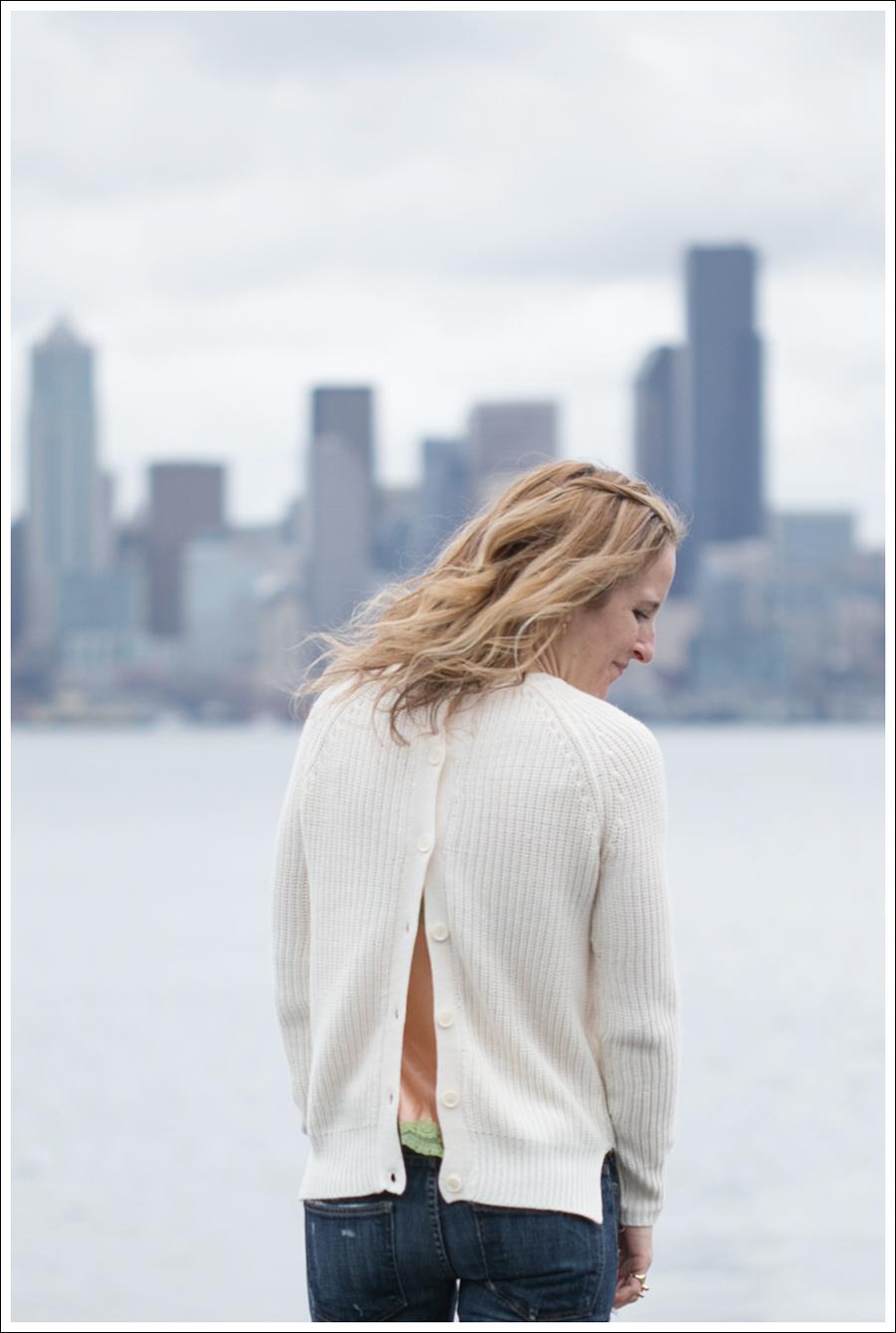 Blog Zara Button Back Sweater Destroyed Current Elliott Crop Skinny Leifnotes Flats-5