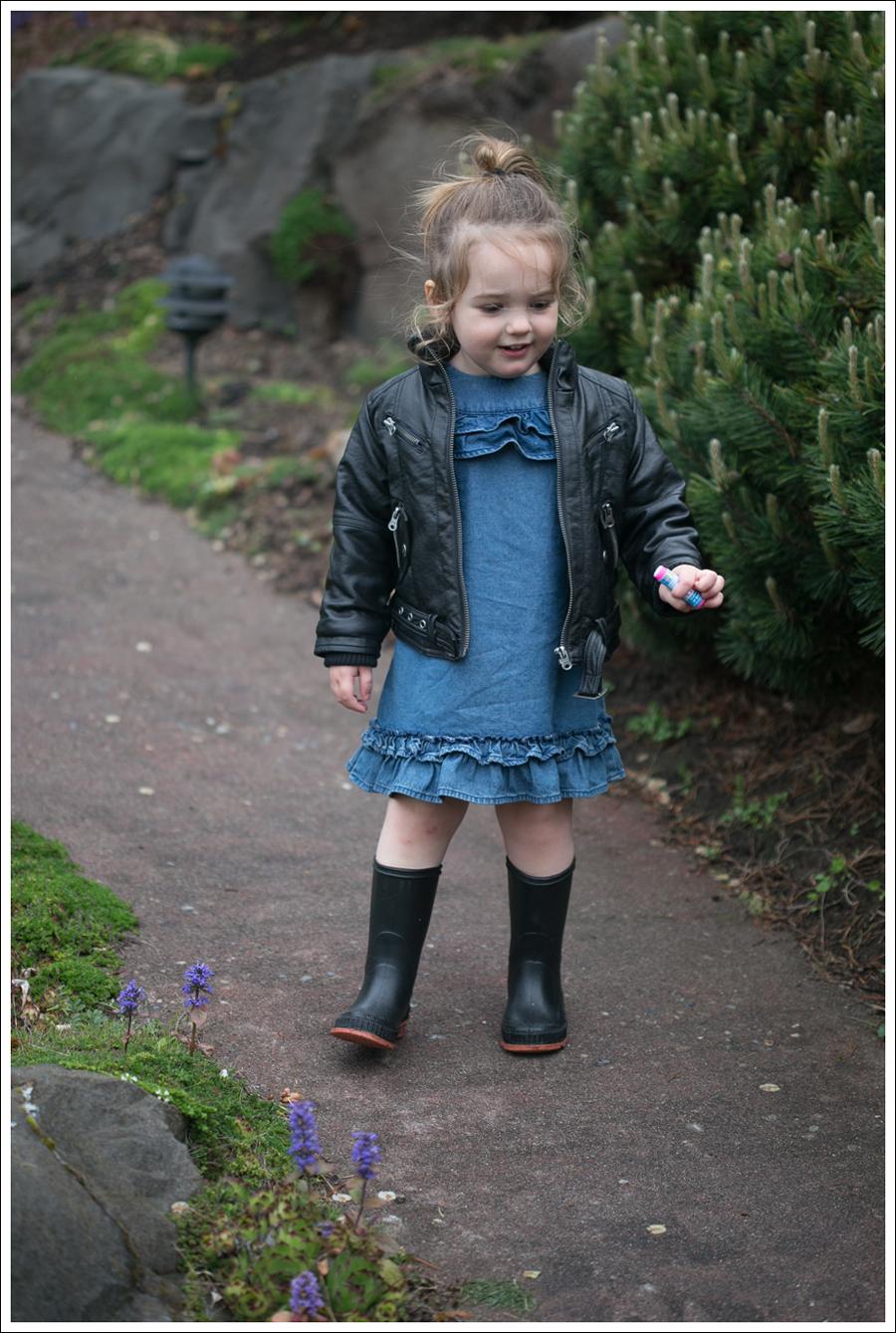 Blog Maya 134 Weeks Hanna Andersson Dress Rain boots-2