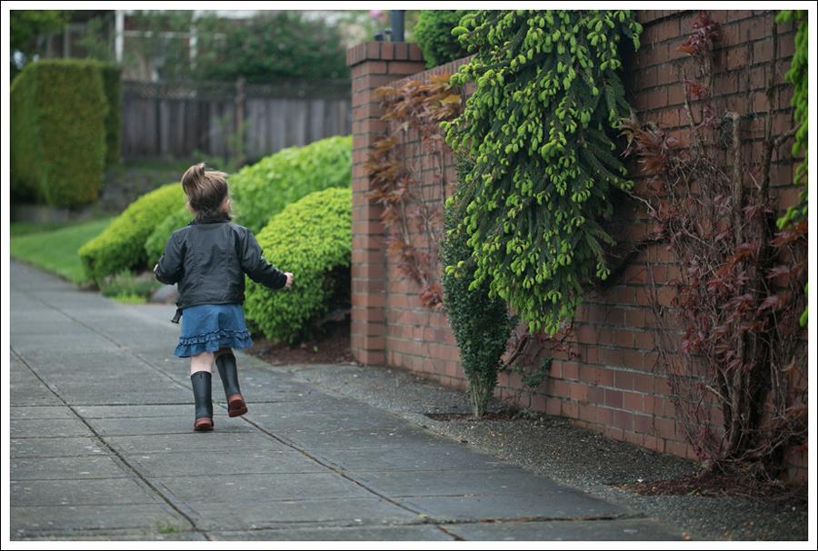 Blog Maya 134 Weeks Hanna Andersson Dress Rain boots-5