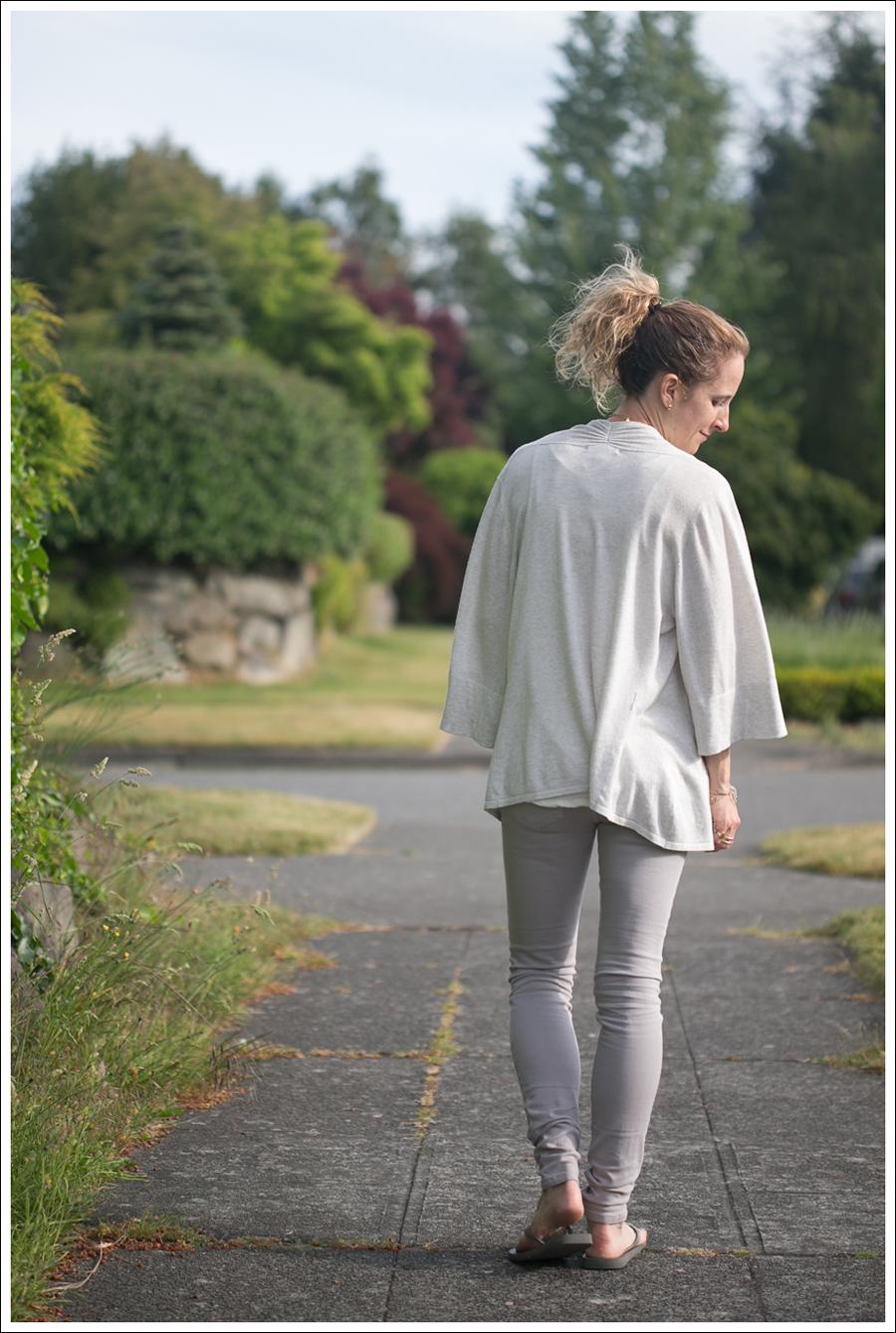 Blog Design History Sweater HM Tank Joes Jeans havaianas-4