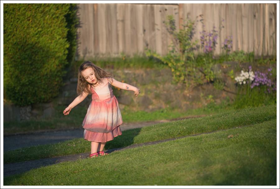 Blog Maya 138 Weeks SweetGirl Ombre Dress Old Navy Sandals-5