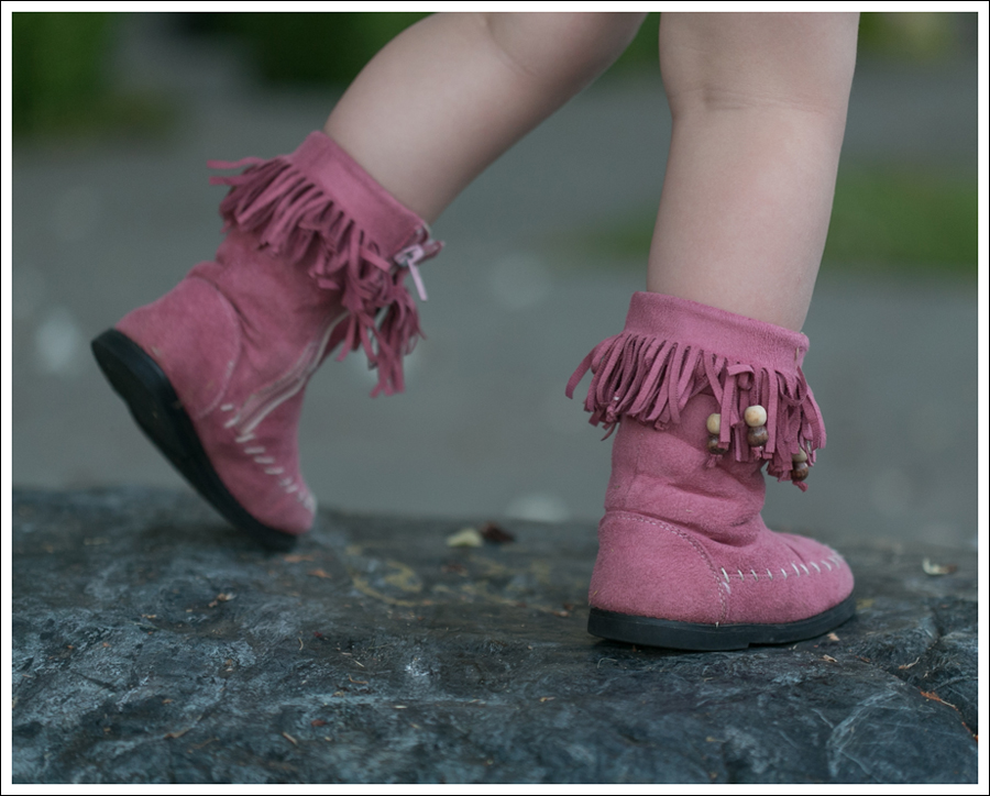 Blog BCBGMaxAzria Silk Top Blank NYC Leather Suede Shorts Steve Madden Ash Sandals-18