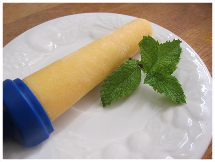 Blog fruit coconut popsicles (2)