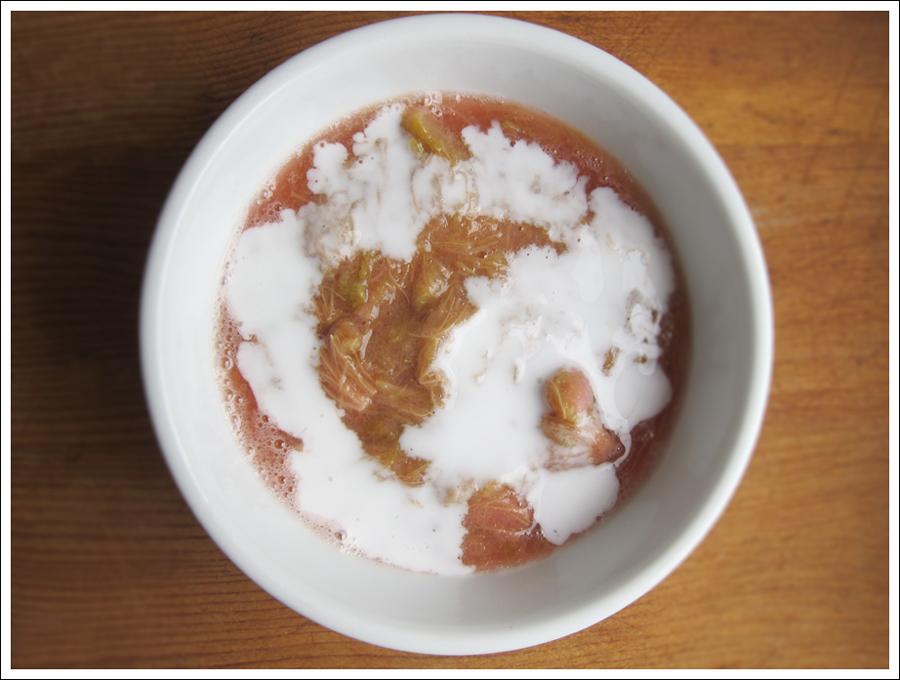 Blog rhubarb sauce (2)