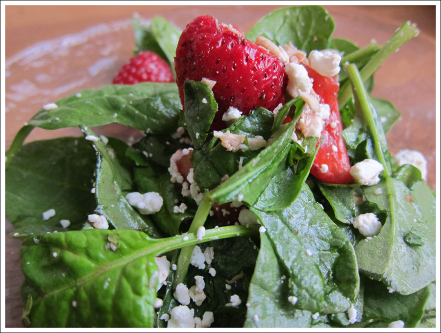 Blog strawberry_mint_goatcheese_salad (1)