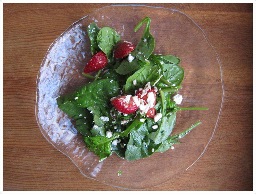 Blog strawberry_mint_goatcheese_salad (2)