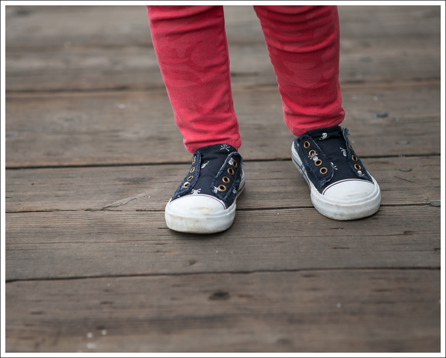 Blog Gap Dark jean Jacket Hanna Navy Check Top Hudson Red Camo Jeans old navy Skull sneakers-3