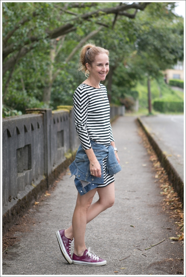 Blog Silence and Noise striped Dress Fuscia Converse Gap Jean Jacket-4