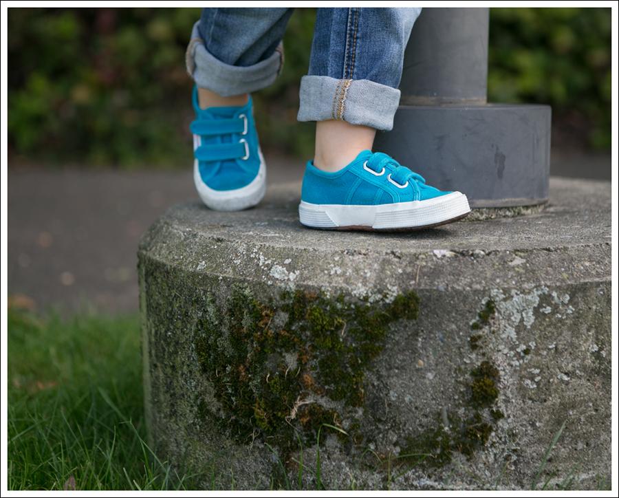 Blog Gap Pink Tee Joes Jeans Distressed Skinny Boyfriend Turquoise Superga-11