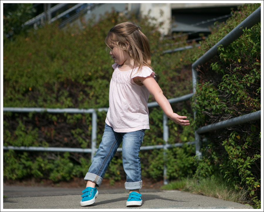 Blog Gap Pink Tee Joes Jeans Distressed Skinny Boyfriend Turquoise Superga-5