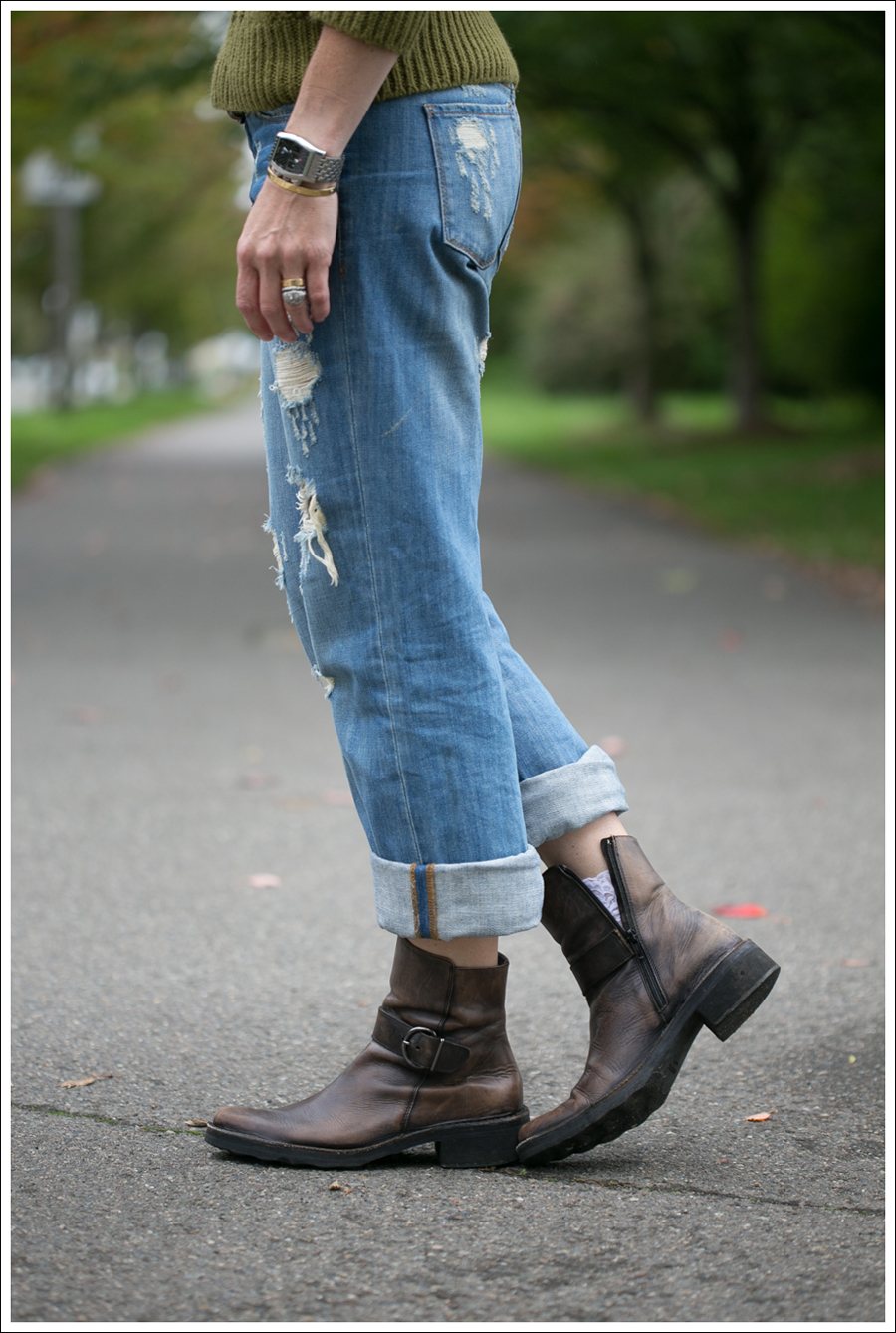 Blog J Crew Olive Fishermans Sweater Blank NYC Destroyed Relaxed Straight Leg Cafe Noire Harness Boots-3