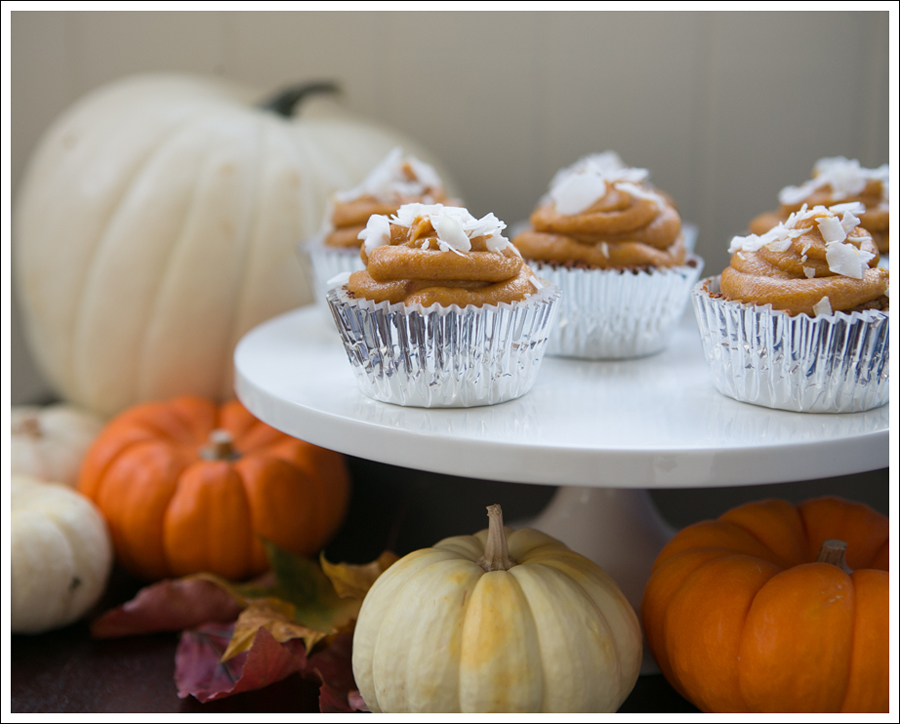 Blog Paleo Pumpkin Muffin Cupcakes with Paleo Pumpkin Frosting-2