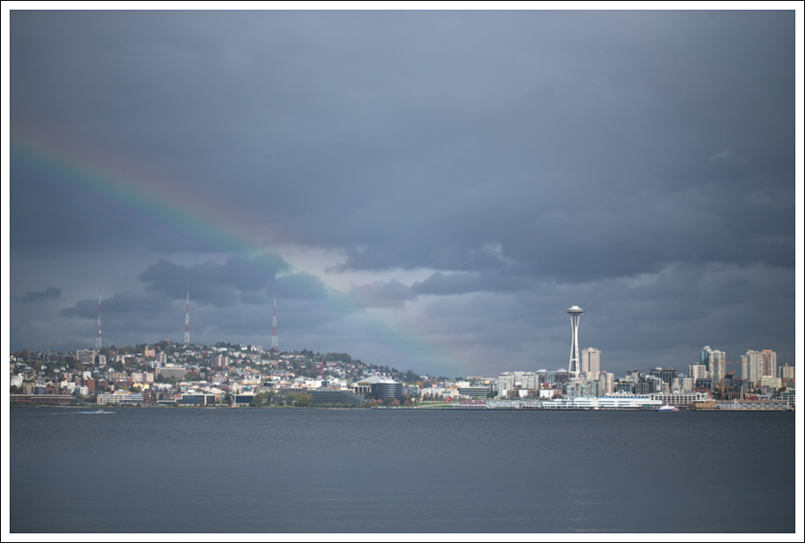 Blog Seattle Skyline Rainbow into the Space Needle-1