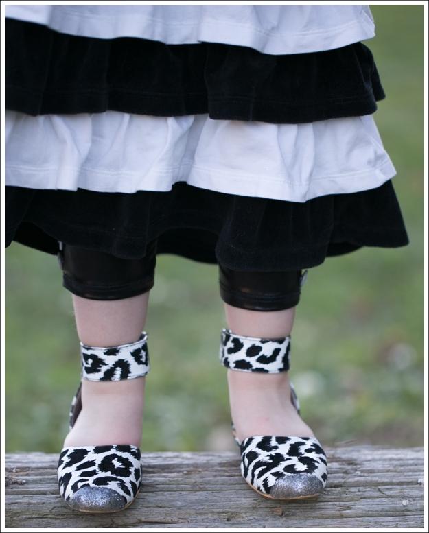 Blog DIY Glitter Toe Shoes-