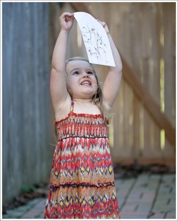 Blog DIY Toddler Glitter Thank You Card Art-10