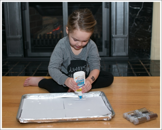 Blog DIY Toddler Glitter Thank You Card Art-4