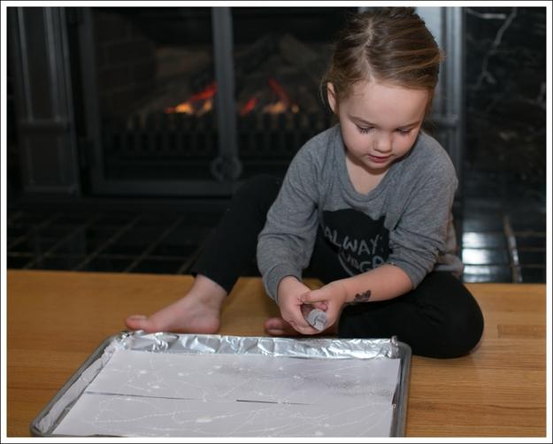 Blog DIY Toddler Glitter Thank You Card Art-6