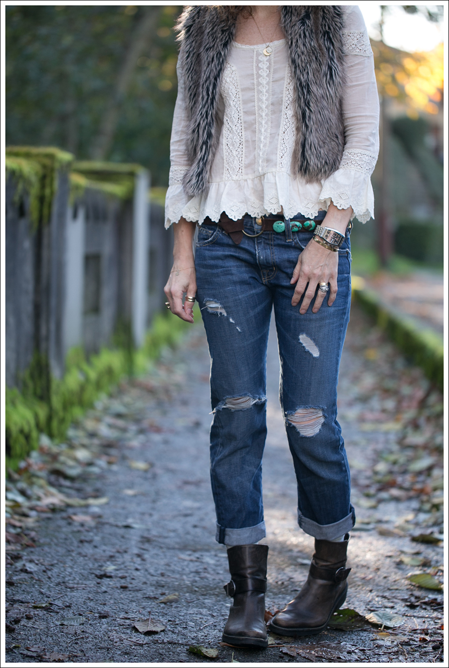Blog Faux Fur Vest Free People Princess Gwendoline Top Streets Ahead Suede Turquoise Belt Current Elliott Destroyed Boyfriend Jeans Cafe Noire Booties-2