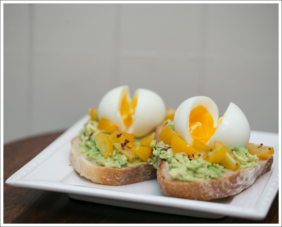 Blog Avocado Toast with Soft Boiled Egg and Tomatos-3