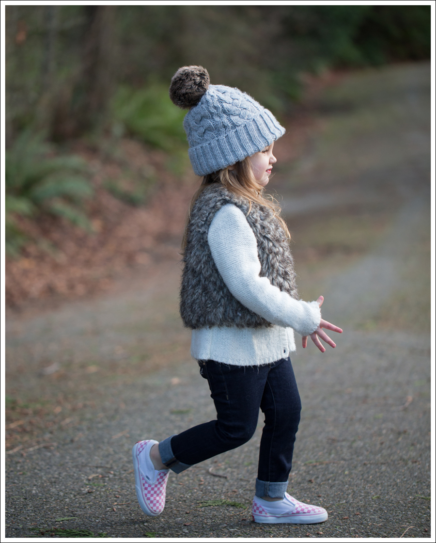 Blog HM Hat Old Navy faux fur vest cardigan Little Boogaweezin DL1961 Chloe Rafaeli Pink Checked Vans-12