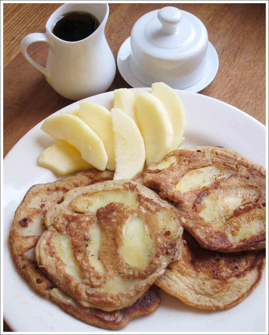 Blog paleo apple pancakes (1)