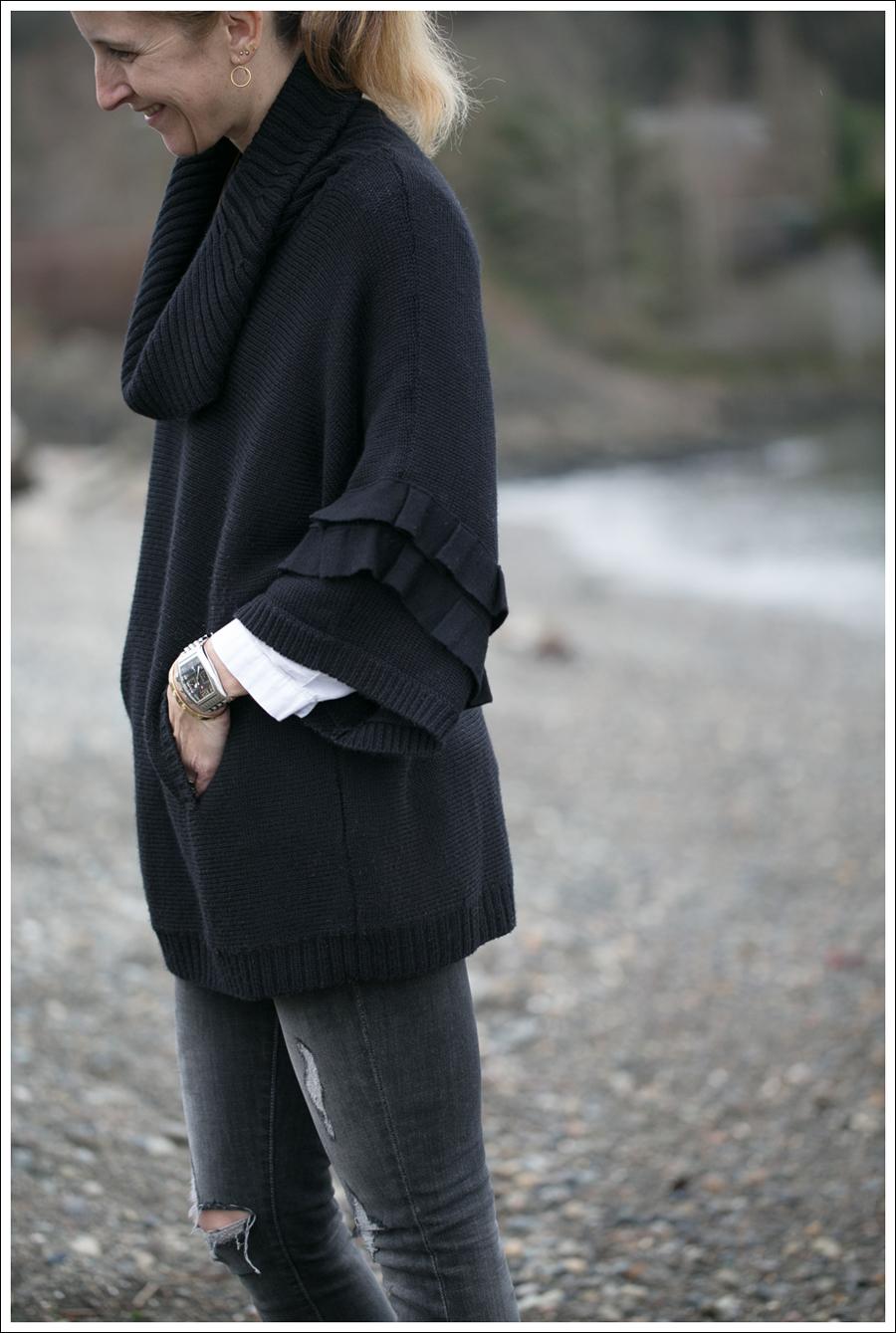 Blog Tahari Black Sweater Paige Destroyed Skinny Black Superga-4
