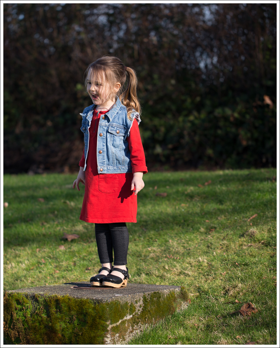 Blog Gap Denim Vest HM Red Zip Dress Levis Jeggings Sven Mary Jane Toddler Clogs-10