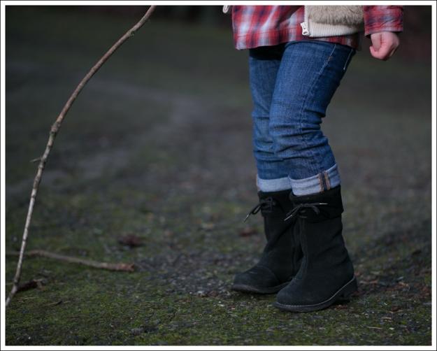 Blog Janie and Jack Faux Fur Vest Levis Plaid Top DL1961 Harper BabyQuiz Suede Boots-15