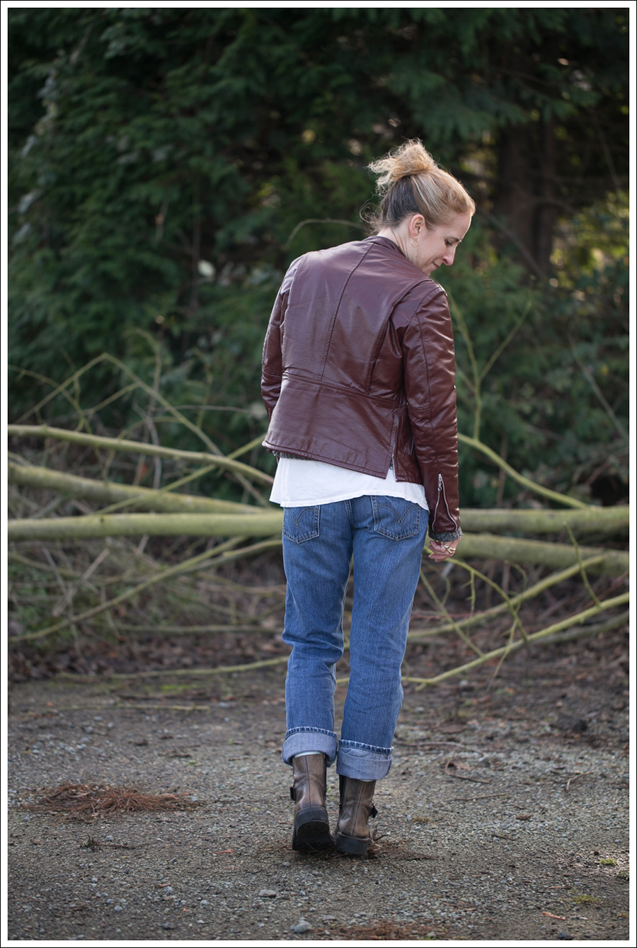 Blog Vintage leather Jacket StyleMint Carrington Sweater Destroyed Levis 514 Cafe Noire Boots-4