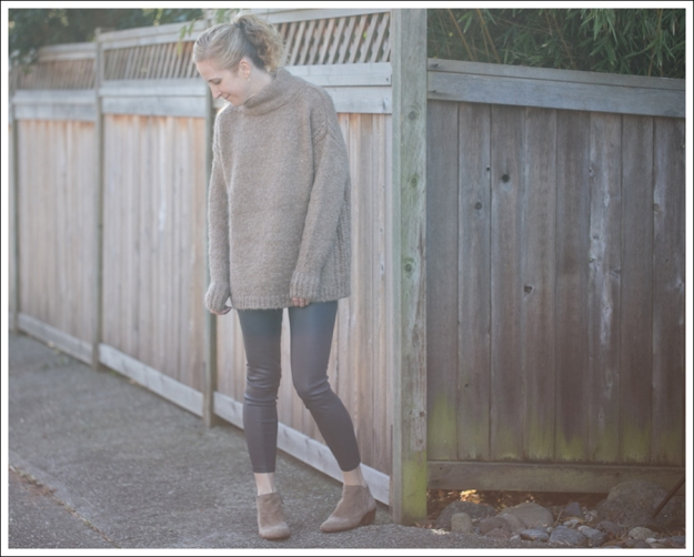 Blog Zara Chuncky Tie Back Sweater Vince Skinny Crop Leather leggings Coastal Sam Edelman Petty Booties-1