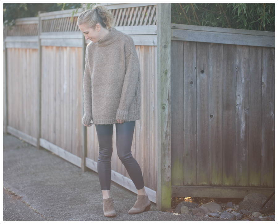 Blog Zara Chuncky Tie Back Sweater Vince Skinny Crop Leather leggings Coastal Sam Edelman Petty Booties-1