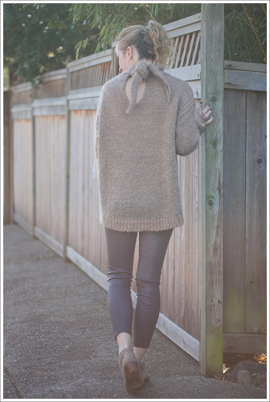 Blog Zara Chuncky Tie Back Sweater Vince Skinny Crop Leather leggings Coastal Sam Edelman Petty Booties-3