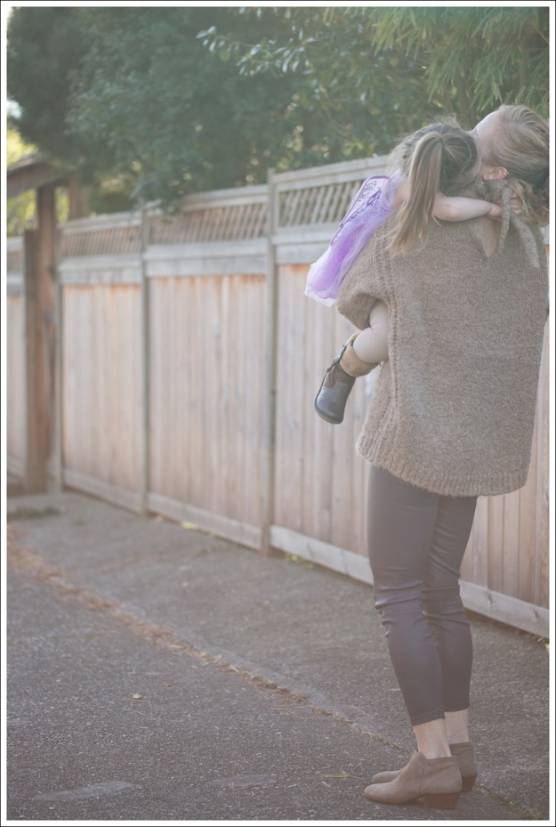 Blog Zara Chuncky Tie Back Sweater Vince Skinny Crop Leather leggings Coastal Sam Edelman Petty Booties-7