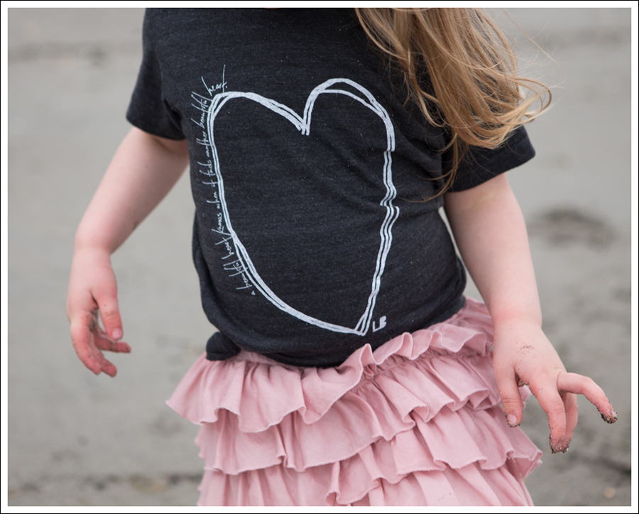 Blog Beatiful Hearts Little Boogaweezin Gap Tiered Skirt Levis Jeggings Converse One Stars-29